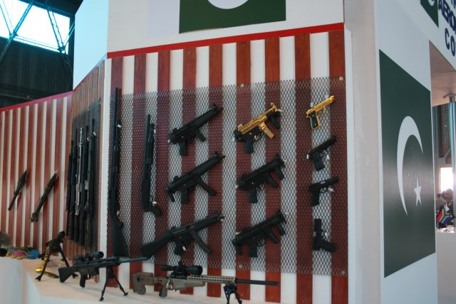 Pakistan Ordnance Factories presents its range of products at AAD 2016 640 002