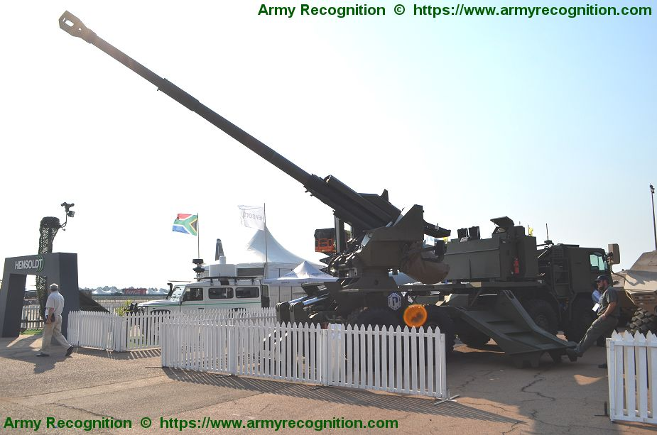 International debut for Denel T5 52 155mm truck mounted gun AAD 2018 South Africa 925 002