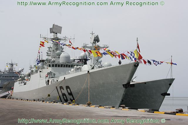 One of the main guest at this International fleet review at Bridex 2011 was the Chinese Type 052B destroyer Wuhan from the PLA (People's Liberation Army) Navy.