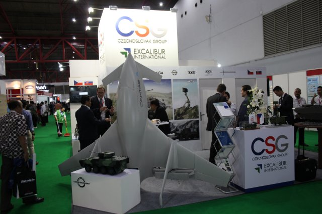The Czech Excalibur International unveils for the first time its UAV Cantas at Indodefence 2016 002