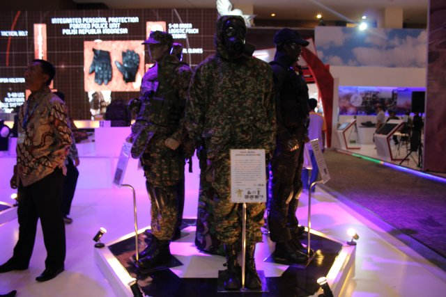 The Indonesian Sritex showcases its wide range of products at Indodefence 2016 002