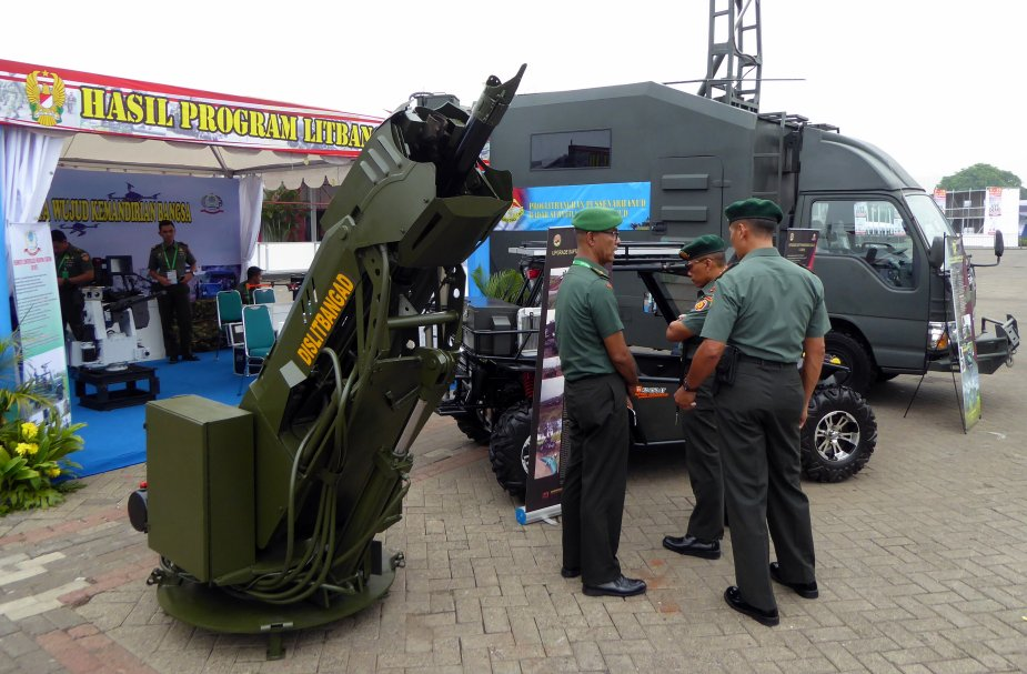 IndoDefence 2018 Indonesia army displays Mekatronic 81mm mortar