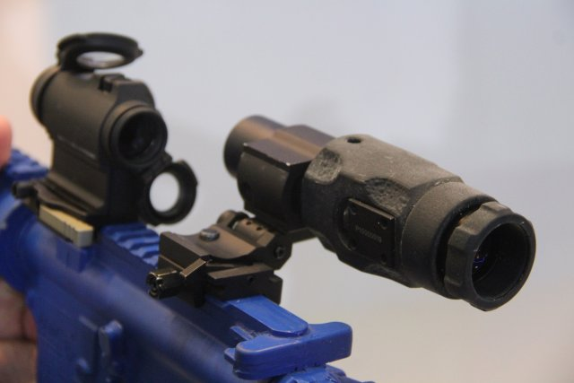 Aimpoint proposes to discover its new Magnifier modules and its FlipMount quick attach system 640 001