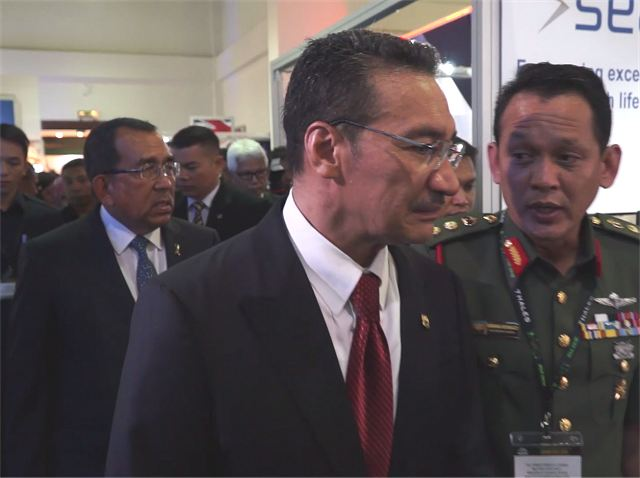 Defence Ministry of Malaysia has announced 8 defence contracts worth US dollars 716 million at DSA 2016 640 001