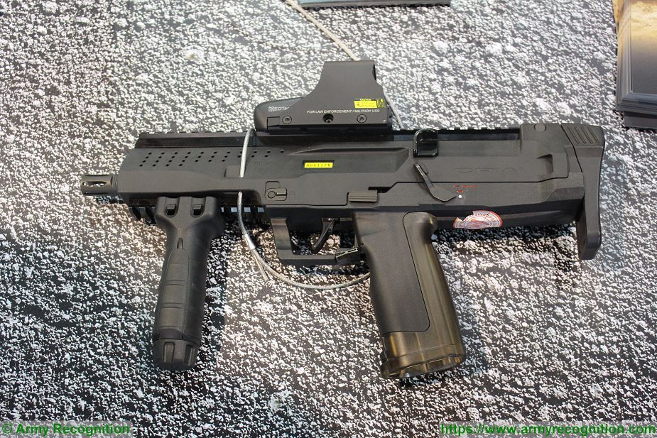 CPW 9x19mm caliber compact sub machine gun of ST Kinetics at Singapore AirShow 2018 925 001