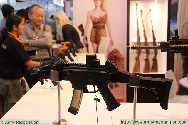 Scorpion EVO 3A1 9mm submachine gun Defense and Security 2015 exhibition Thailand Bangkok 640 001