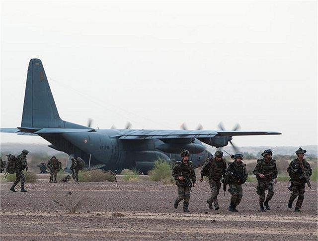 In Gao, after the attack of the French Special Forces, Saturday morning, January 26, 2013, an air assault was conducted by a company of the 1e RCP (1st Parachute Chasseur Regiment) arrived from Abidjan, Ivory Coast.