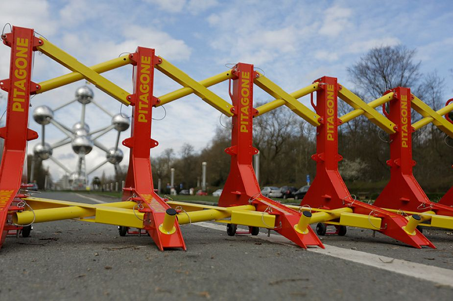 F 18 anti ram mobile barrier Mobile Hostile Vehicle Mitigation Pitagone MHVM Belgium 925 001