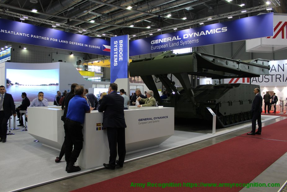 IDET 2019 General Dynamics showcases the COBRA armoured assault bridge