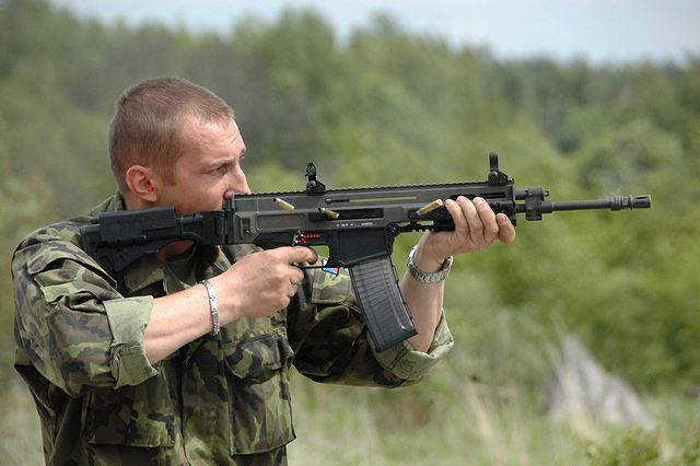 Czech Ministry of Defence plans to buy approximately 10 thousand CZ 805 BREN attack rifles, 7 thousand CZ 75 PHANTOM pistols and 500 CZ SCORPION sub-machine guns during next several years. According to Colonel Pavel Bulant, Director of the Armaments Division of MoD, this quantity should cover needs of all elements of Czech armed forces.