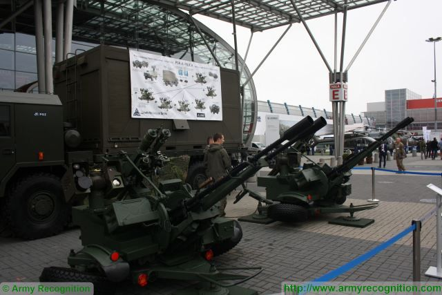 PSRA Pilica short-range air defense system GROM missile MANPADS 23mm cannon Poland Polish army defense industry 640 001