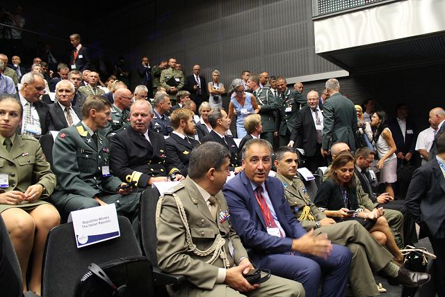 The four-day expo programme encompassed more than 40 conferences, briefings, presentations, debates. Such meetings provide an ideal opportunity to exchange experiences, to expand knowledge about the latest military technologies and solutions, to establish contacts and relations as well as to hold talks between the defense industry, the armed forces and government administration.