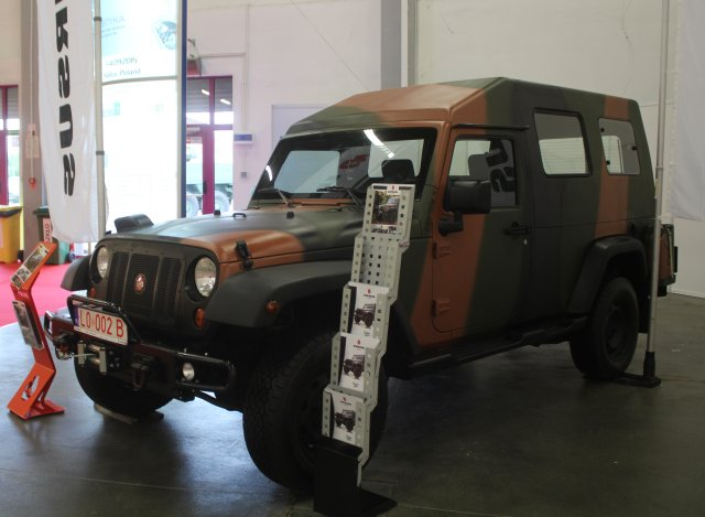 MSPO 2015 Ursus offers its Storm 3 4x4 troop carrier for Polish Army s Modernization Porgra 640 001