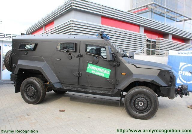 MSPO 201 Plasan presents the SZOP 4x4 armored vehicle selected by the Polish Military Police 640 002
