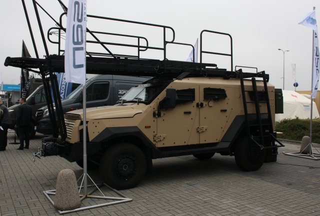 Plasan from Israel showcases Sandcat 4x4 light protected vehicle at MSPO 2016 640 001