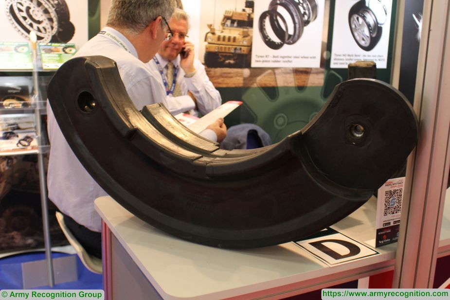 tyron showcases carbon runflat wheel mspo2018