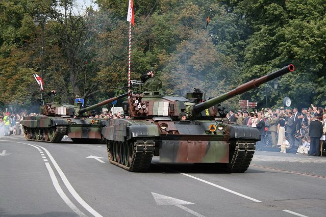 Poland's Ministry of Defense has set aside 138.6 million zloty ($42 million) for two contracts to modernize its T-72M1 and PT-91 main battle tanks, the Army's First Regional Logistics Base in Walcz said in a statement.