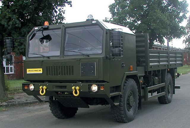 442-32 Jelcz 4x4 medium load high mobility military truck Poland Polish army defense industry 008