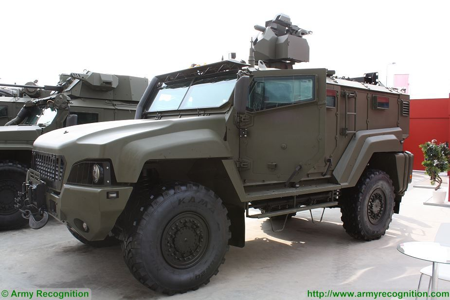 The Russian Company Remdizel, a subdivision of KAMAZ presents its full range of 4x4 armoured vehicle at Army-2017, the International Military Technical forum, including the Taifun-K in ambulance configuration, the Taifun K-4386 with 30mm cannon, and the Taifun-K 53949.