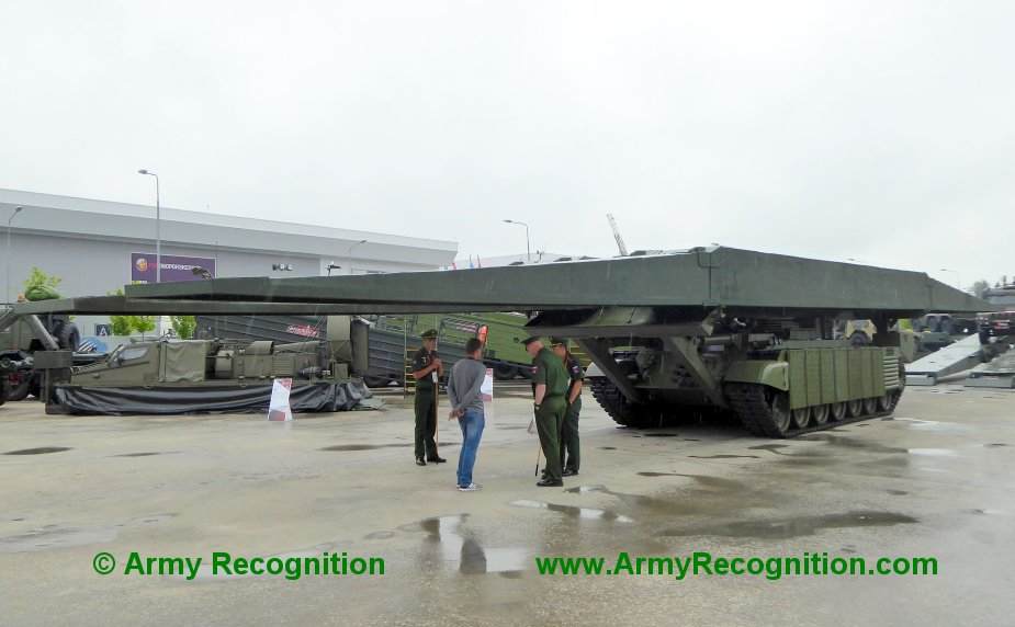 Army 2019 Russian army displays new MTU 2020 bridge layer tank 1