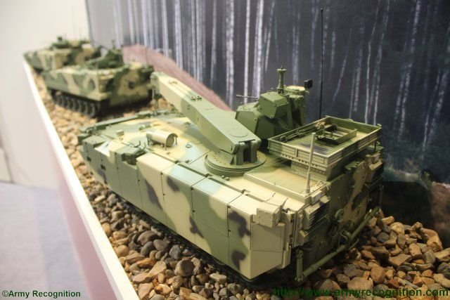 New recovery variant of the Kurganets 25 BMP appears at Russian Arms Expo 2015 640 001