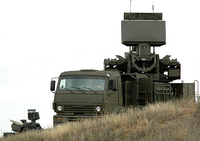 Russian air defense forces have taken delivery of six Pantsir-S short-range air defense systems to be used by a new missile regiment formed to protect the skies over Moscow, military officials said Wednesday. The Pantsir-S battalion is set to form part of a third S-400 air defense missile regiment deployed near the Russian capital.