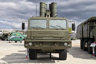 S 400 Triumph triumf 5P85TE2 SA 21 Growler surface to air SAM long range missile defense system Russia Russian amy front view 001