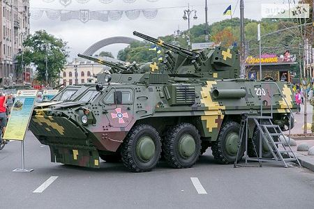 BTR 4E APC 8x8 wheeled armoured vehicle personnel carrier UKraine Ukrainian army defense industry left side view 001