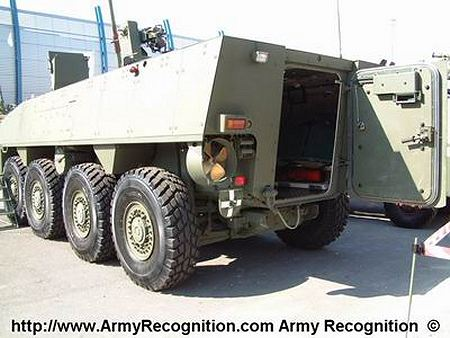 AMV patria 8x8 wheeled armoured vehicle personnel carrier Finnish Finland rear view 450 001