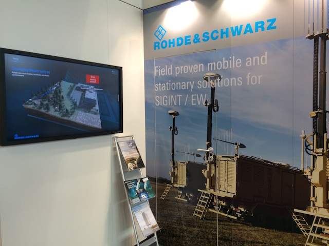 Eurosatory 2016 R S showcases in Europe the DDF1555 portable direction finder 2
