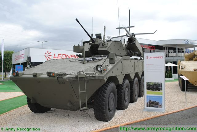 Centauro VBM Explorer 8x8 armoured vehicle UAV Horus UGV TRP2 Leonardo Eurosatory 2016 defense exhibition Paris France 640 001