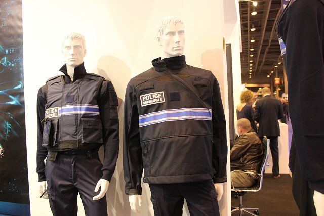 At MILIPOL 2011, the Belgian Company SIOEN Armour Technology (S.A.T.) presents an new innovation with a three laminated soft-shell solution has a special style which enlarges comfort, heat and sweat management as discreteness in combination with soft body armour panels.