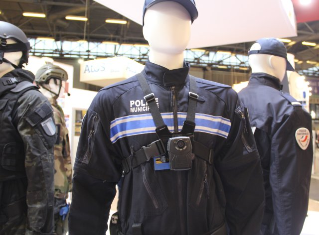 Milipol 2015 Groupe Marck highlights new portable camera and intervention coverall 640 001