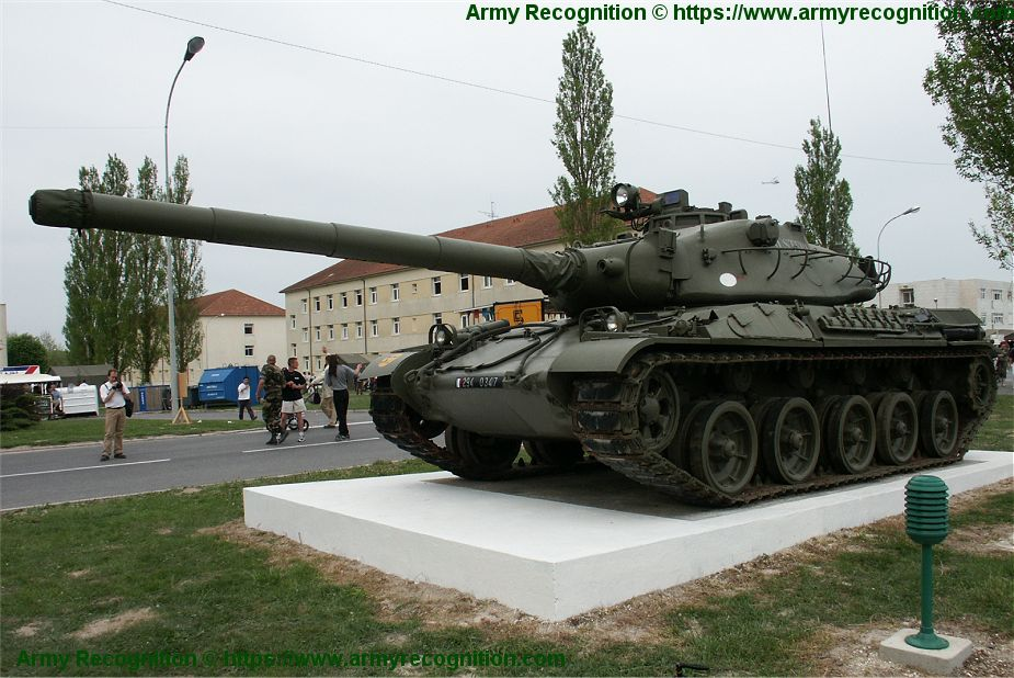 AMX 30 MBT main battle tank France French army defense industry 925 001