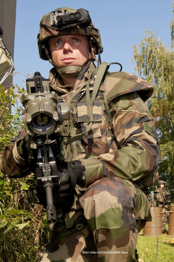 "Russia is holding talks with France on the purchase of Felin advanced ""future soldier"" equipment, which includes new combat clothing with body armor and a new ballistic helmet, weapons, and a portable computer."