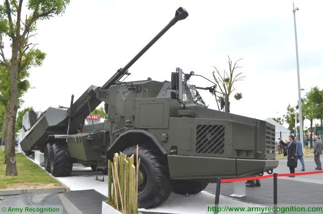 Archer 155mm FH77 BW L52 wheeled self-propelled howitzer BAE Systems Bofors Sweden Swedish army 640 002