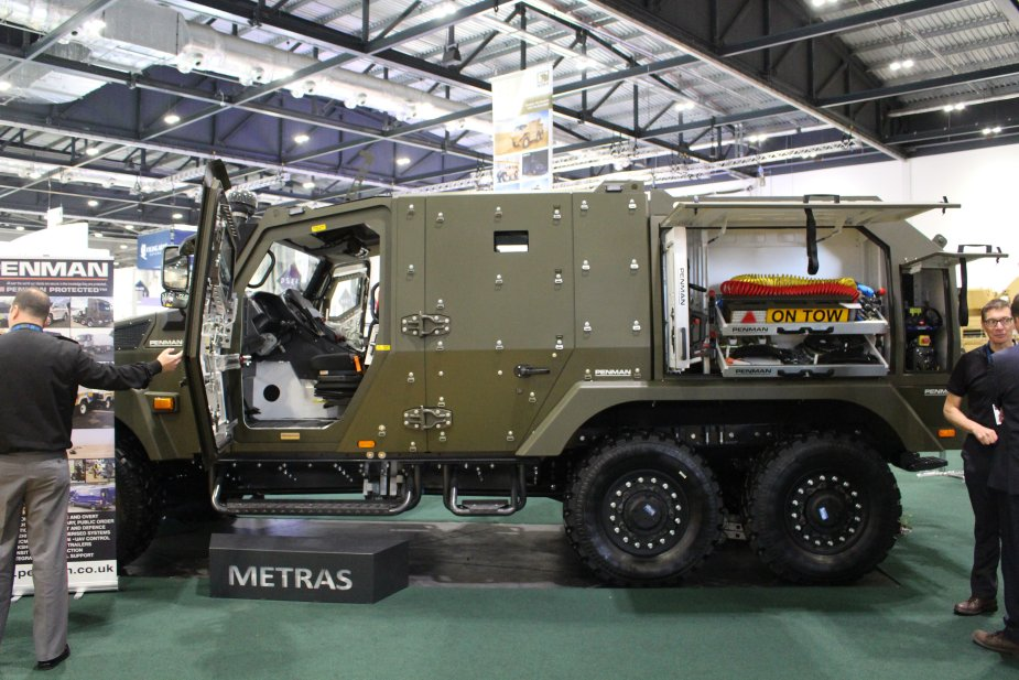 Penman unveils a range of new multirole vehicles at DSEI 2017 925 003