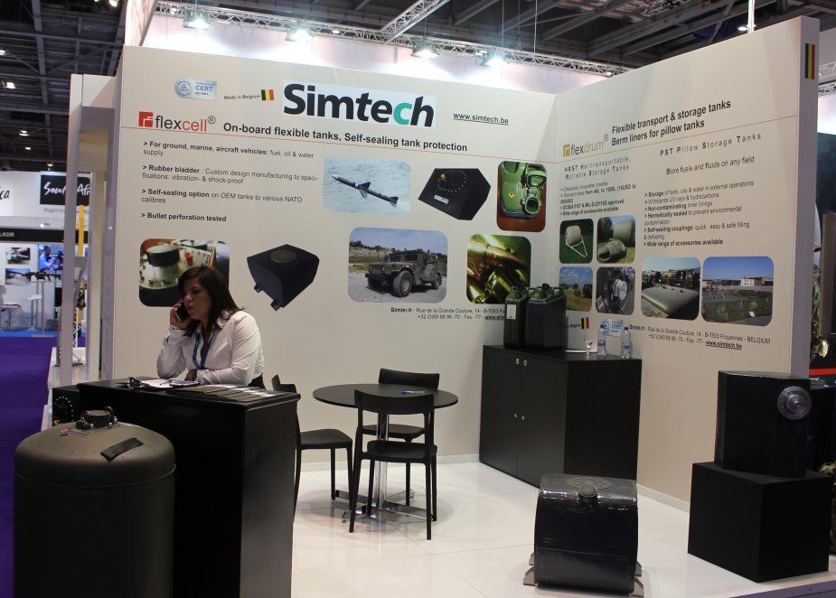 Simtech showcases its Flexcell self sealing tank protection at DSEI 2017 640 001
