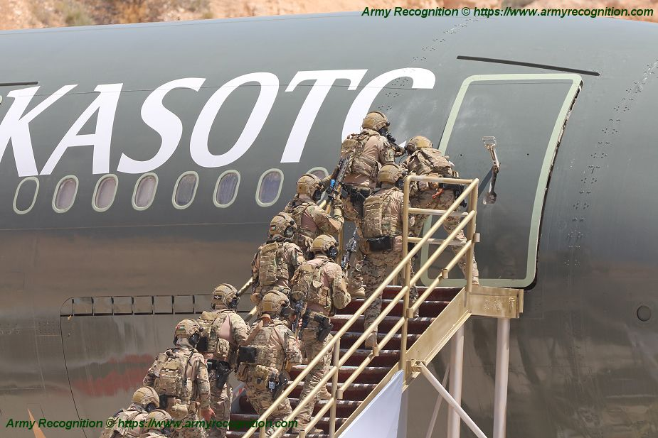 Jordanian Special Forces live demonstration of hostages rescue from Airbus A300 KASOTC 925 002