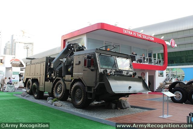 The high mobility heavy duty (HMHD) recovery vehicle is able to recover most types of wheeled armored vehicles very quickly and efficiently in a tactical environment. Rear lifting fork enables to tow vehicles with front axle load up to 14,000 kgs and thanks to 44 tm Hiab crane is able to overturn crashed vehicles.