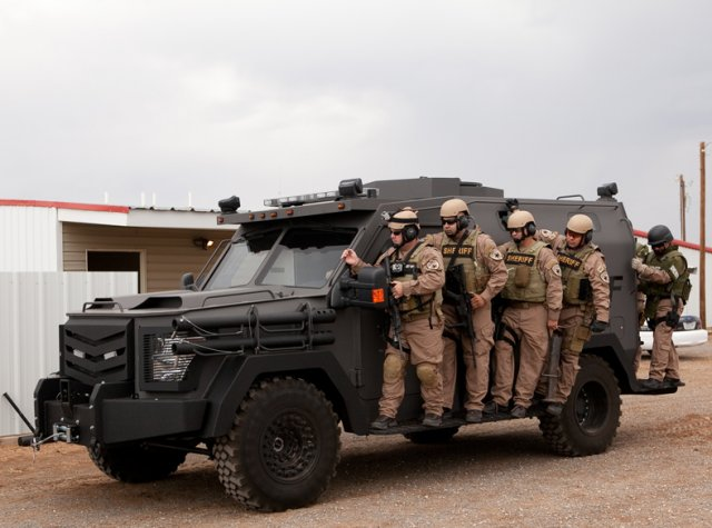 At IDEX 2015, The Armored Group presents its BATT APC family 640 002