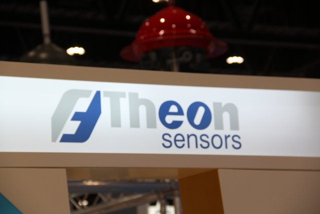 Theon-Sensors-is-presenting-its-new-THERMIS-thermal-weapon-sight-at-ISNR-2016-001