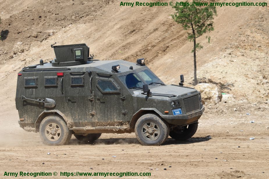 Jaws 4x4 APC armoured personnel carrier IAG International armoured Group military vehicle manufacturer UAE 925 001