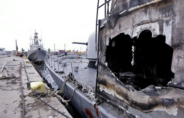 NATO aircraft sank eight warships belonging to Libyan leader Muammar Gaddafi's forces in overnight attacks, the alliance said on Friday.