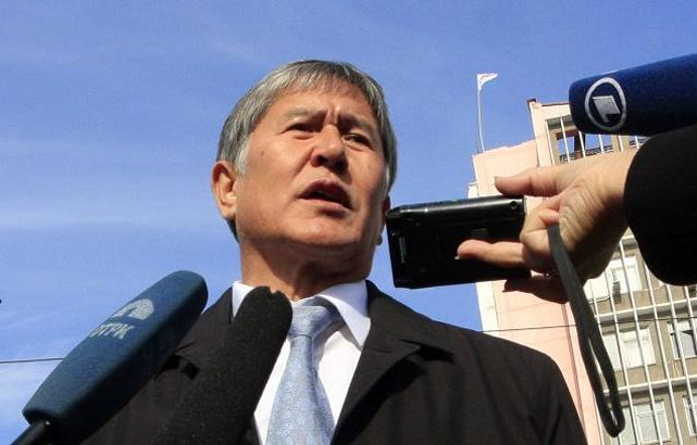 Kyrgyz President Almazbek Atambayev discussed bilateral military ties and regional affairs with Chinese Defense Minister Chang Wanquan, vowing to strengthen cooperation. Atambayev said there were a number of uncertainties in Central Asia, and that Kyrgyzstan, China and other countries in the region faced common threats.