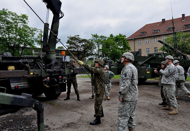 Warsaw and Washington may announce the deployment of additional American troops in Poland next week, Polish Defense Minister Tomasz Siemoniak said following a meeting with his US counterpart, Defense Secretary Chuck Hagel at the Pentagon on Thursday, April 17, 2014.