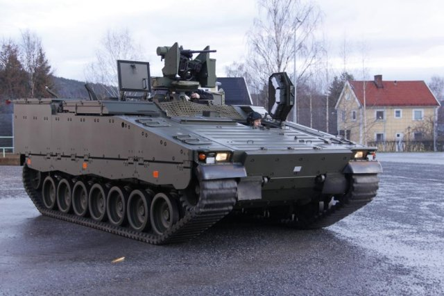 The third CV90 variant, a Multicarrier vehicle – which is known as the MultiC in Norway - was delivered to the Norwegian customer last week, in accordance with the agreed contractual schedule. Earlier this year, the first of the second variant, the engineering vehicle (STING), was handed over to the customer at BAE Systems' Hägglunds facilities in Örnsköldsvik, Sweden, again on time and on budget.
