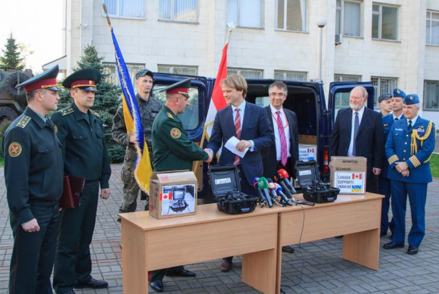 More non-lethal equipment, including night-vision goggles, transferred from Canada to Ukraine