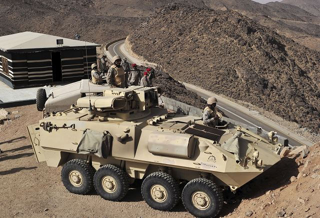 Saudi troops of National Guard with armoured vehicles are deployed near the border with Yemen 640 001