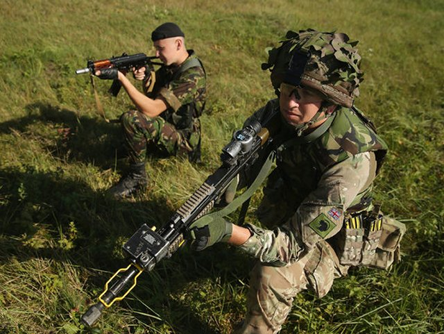 British Army to boost training programme for the Ukrainian troops 640 001